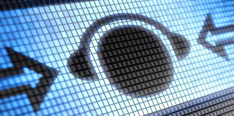 Plantronics Voyager B8200 - Audiophile Features Meet Business Communications!